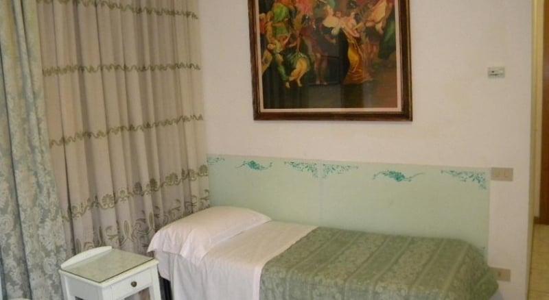 Hotel Adua