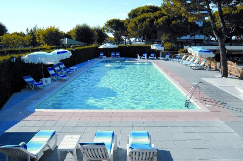 Hotel per bambini a jesolo lido 3 stelle con piscina tattoo design bild - Hotel jesolo con piscina fronte mare ...