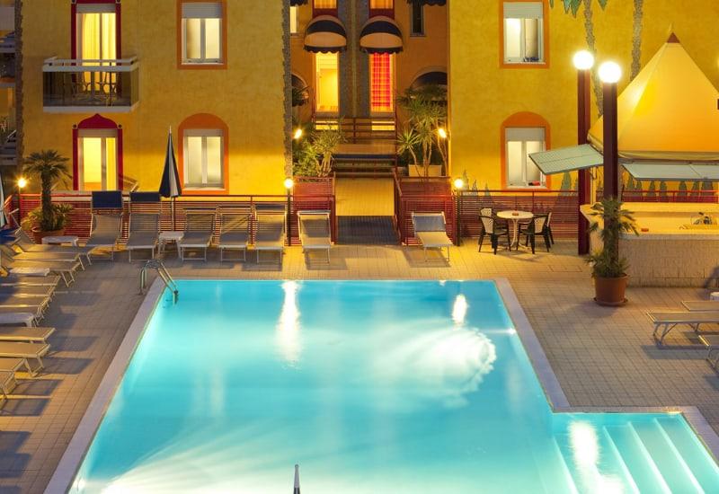 Hotel Caorle Con Piscina