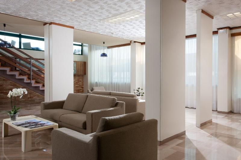 Hotel las vegas hotel tre stelle superior jesolo for Saloni eleganti