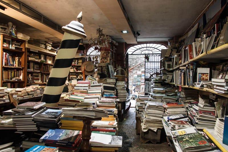 Risultati immagini per libreria venezia