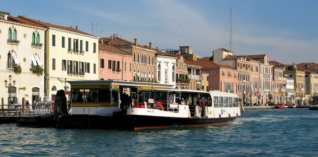 Linee di navigazione dei vaporetti a Venezia