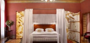 Hotel Saturnia & International