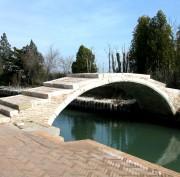 https://www.venezia.net/wp-content/uploads/2016/06/Torcello_-_Ponte_del_diavolo-180x177.jpg