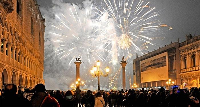 CAPODANNO 2020. Brindisi e fuochi d'artificio in piazza San Marco!