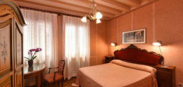 Hotel Doni