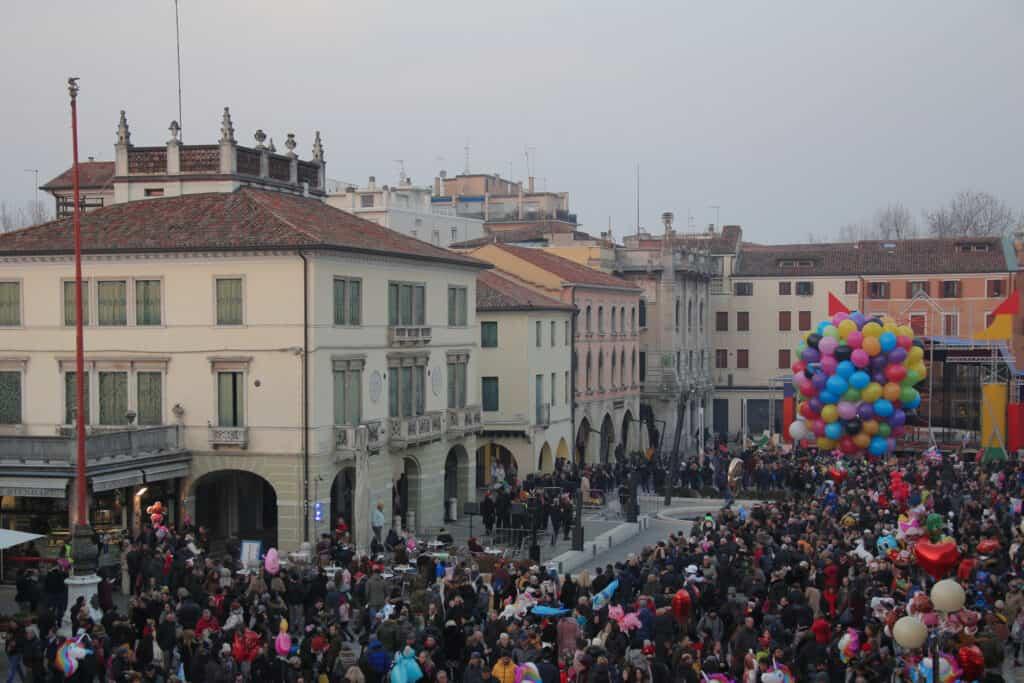 CARNEVALE 2020. L'Happy Friday di Mestre si veste da Carnevale venerdì 21 Febbraio